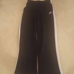 Nike boys athletic pants youth large